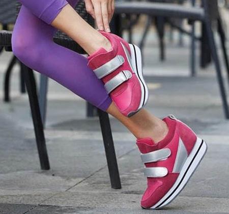 کفش اسپرت, کفش اسپرت دخترانه مخصوص مدرسه